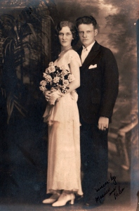 Maurice and Helen Nicholson's wedding picture